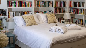 Book and Bed (ANSA)