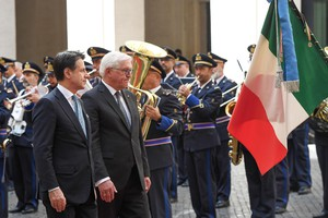 Italian Premier Giuseppe Conte (L) receiving German President Frank-Walter Steinmeier for their meeting at the Chigi Palace in Rome, Italy, 19 September 2019. Steinmeier is in Italy for an official visit. ANSA/ALESSANDRO DI MEO (ANSA)