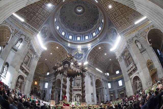 Pope Francis' International Migrants Day Mass - A general view of Saint Peter's Basilica during Pope Francis' special mass to mark International Migrants Day. Vatican City, 14 January 2018. ANSA/CLAUDIO PERI © ANSA