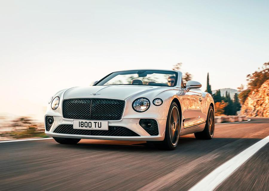 Bentley continental GTC, superlusso en plen air © Ansa